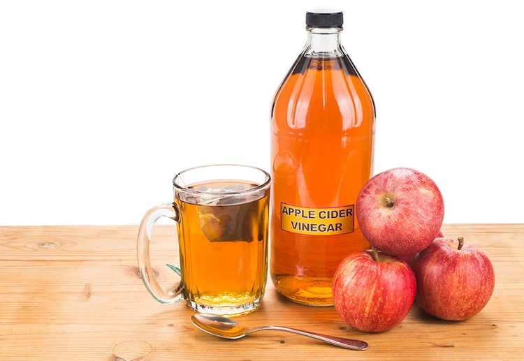 How Apple Cider Vinegar Can Help Your Eczema | Vitagene